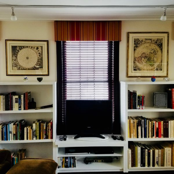 Parkland® wood blinds & Custom Cornice
